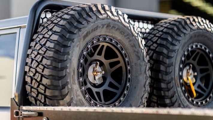 M-spec spare wheel holder boss aluminium 35 inch tyres