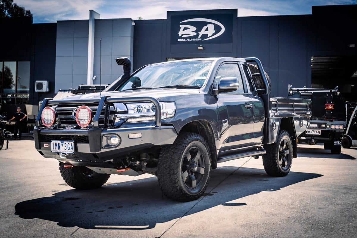 aluminium ute tray to suit a chopped 200 series landcruiser